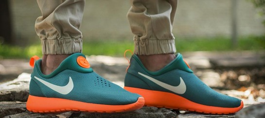 NIKE SLIP ON ROSHERUN SHOES