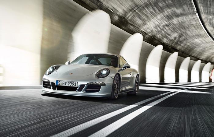 2015 Silver Porsche 911 GTS