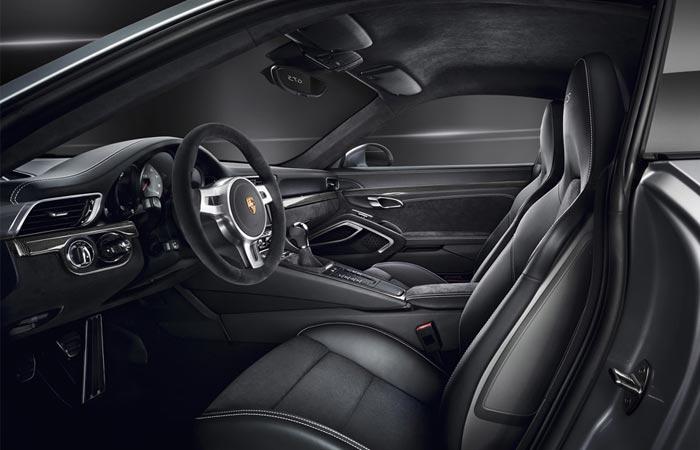 2015 Porsche 911 GTS interior
