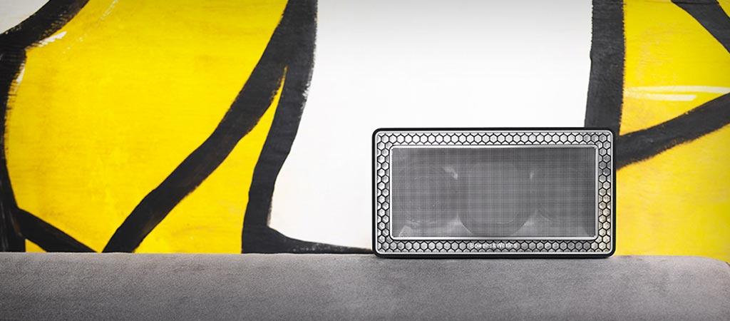 Bowers & Wilkins T7 bluetooth speaker