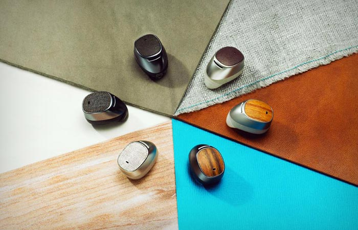 Moto Hint earbud colors