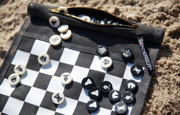 Sondergut Roll-Up board games