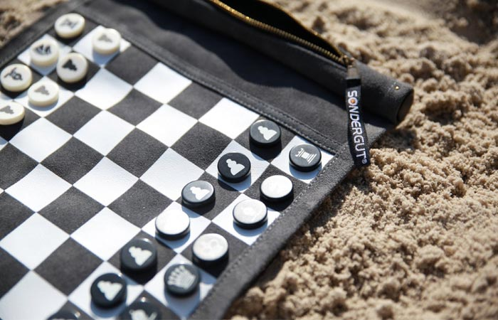 Chess roll-up board game