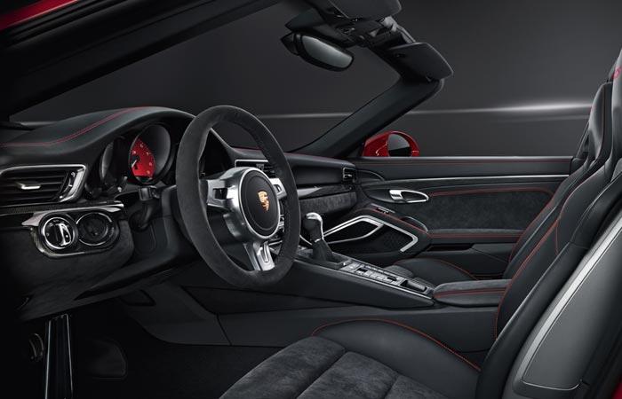 Interior of the Porsche 911 Targa 4 GTS