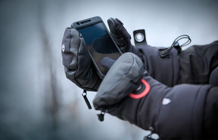 Heat 3 Smart Gloves with touchscreen capabilities