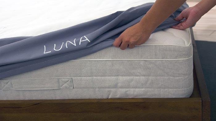 Luna smart mattress cover on Indiegogo