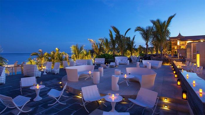 Mulia Resort restaurant and lounge