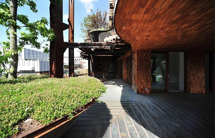 The asymmetrical terraces of 25 Verde