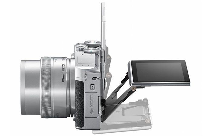 Nikon 1 J5 tiltable display