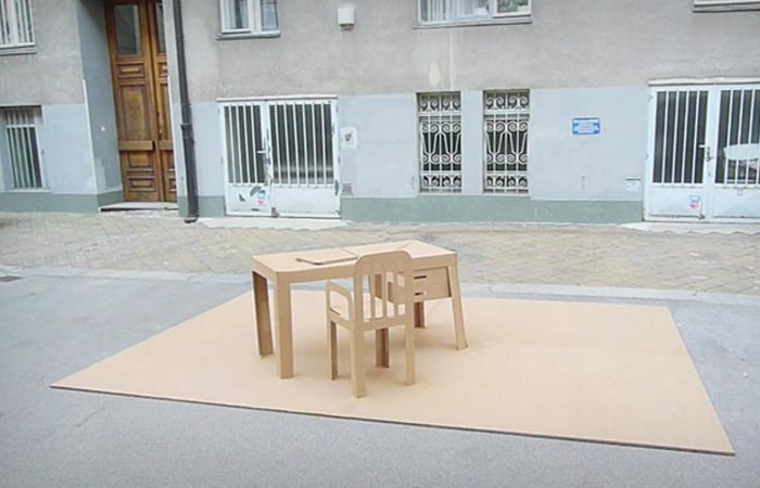 Pop-Up office, a foldable furniture set