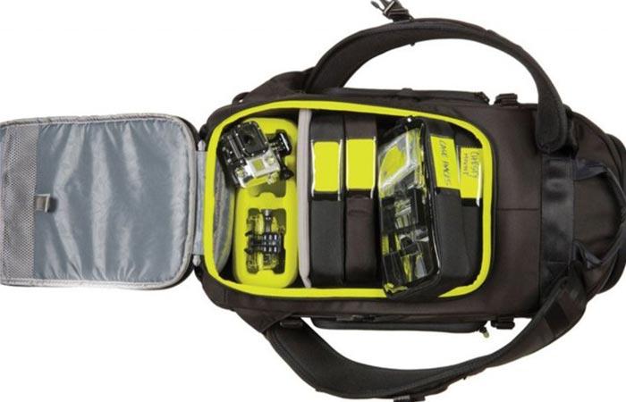 Incase Pro Pack main compartment