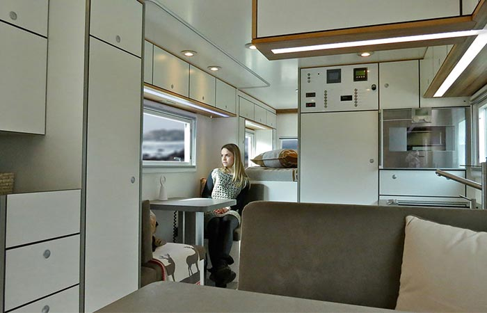 Globecruiser Motor Homes Global XRS 7200 interior
