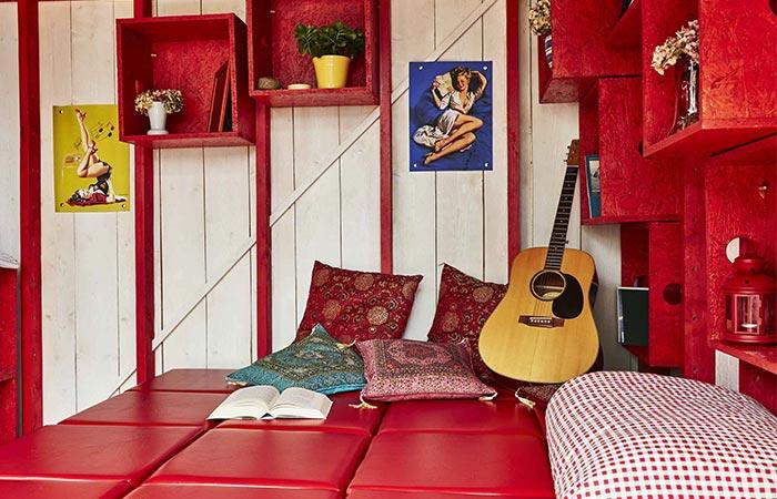 Pin-Up Houses box stools