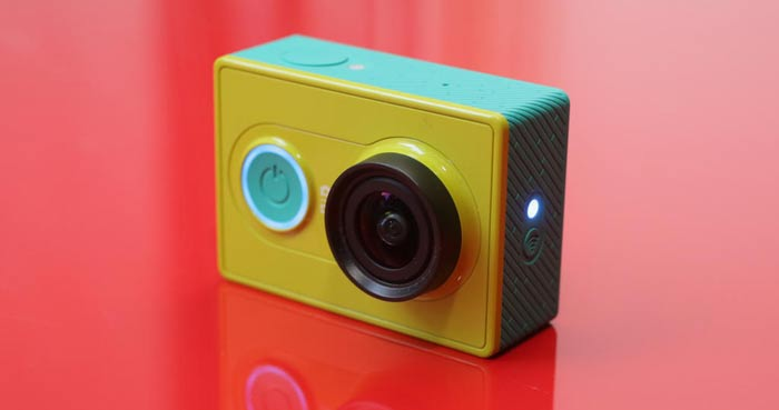 Xiaomi Yi Ambarella A7LS action camera powered on
