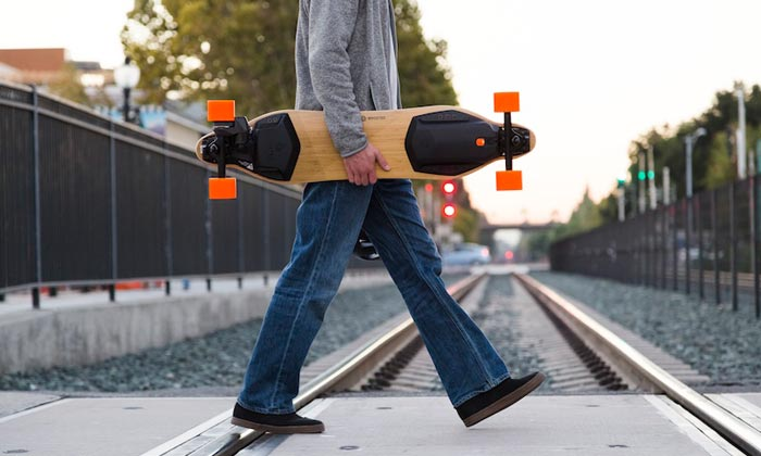 Daily commute with an electric skateboard