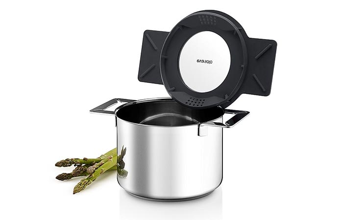 Gravity Cookware steam vents and glass lid