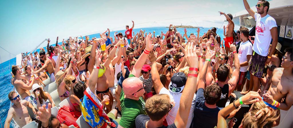 How to organize a boat party
