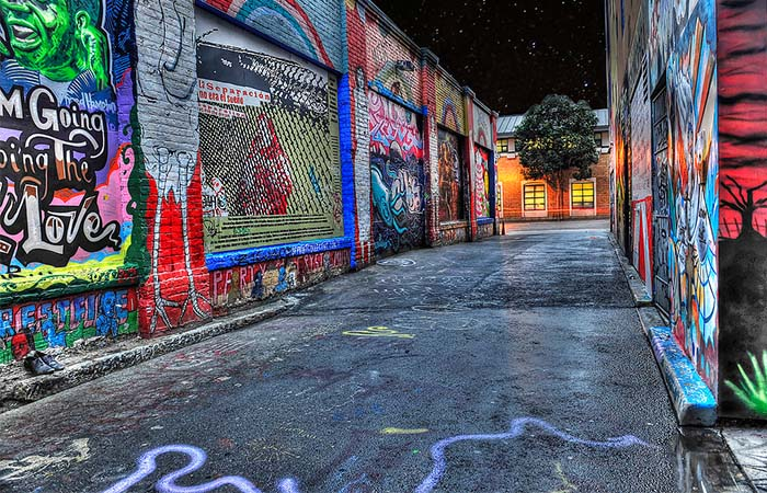 Clarion Alley murals by night