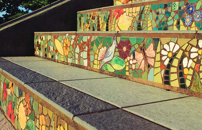Details on Moraga St & 16th Avenue mosaic tile stairs