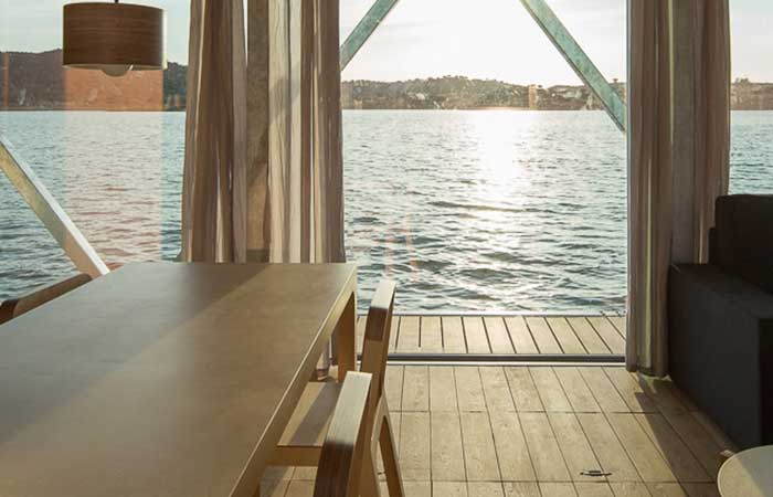 MODULAR FLOATING WEEKEND HOUSE BY FRIDAY 03