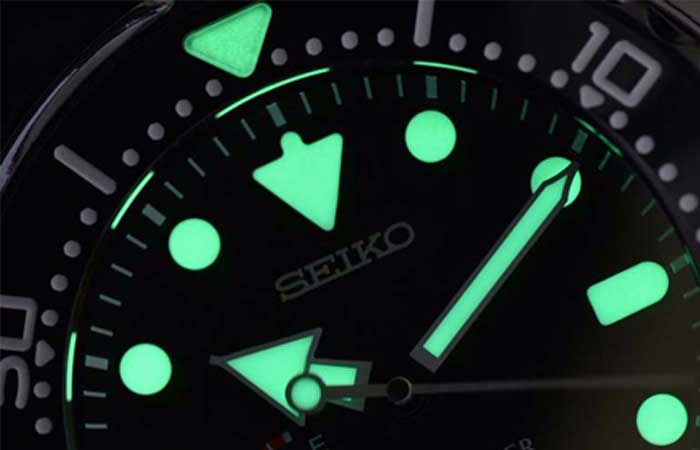 SBDB009 – Seiko Prospex MarineMaster Spring Drive Diver's Watch glowing in the dark