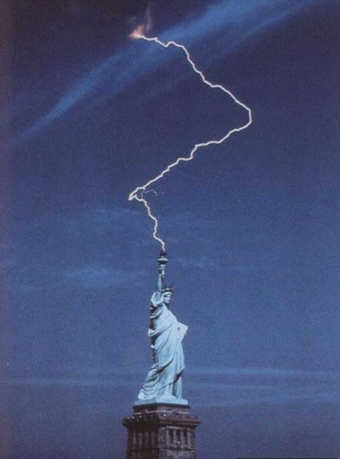 Thunder struck the Statue of Liberty