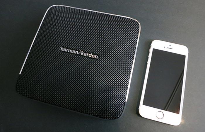 Harman Kardon Esquire and a Smartphone