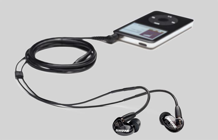 Shure SE215-K Noise Isolating Headphones