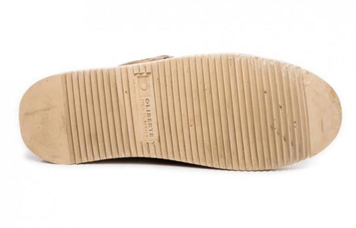 Rubber sole photographed from the front.