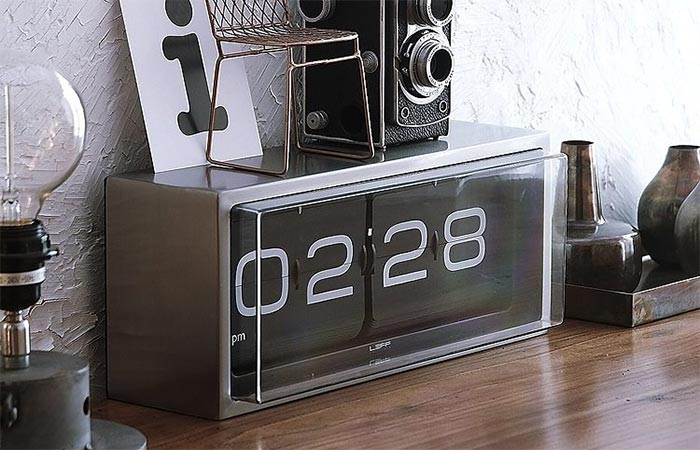 Brick Vintage Flip Clock Black On The Table