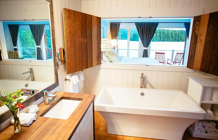 Nimmo Bay Resort Bathroom