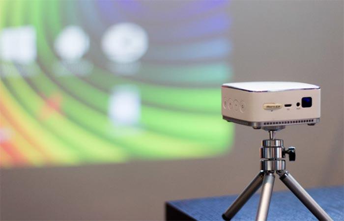 iDea USA Pico Pocket Projector