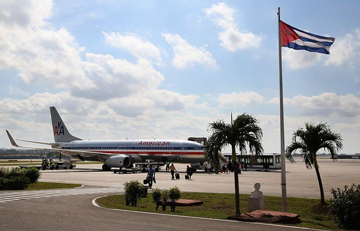An American Airlines plane landed on the airport in Cuba.