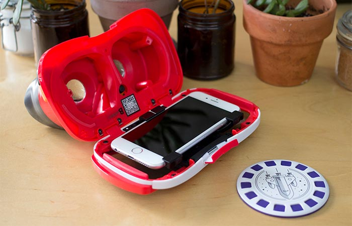 A Smartphone Placed Inside View Master