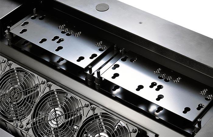 Lian-Li DK-04 rear fans and slots for Hard Disk Drives