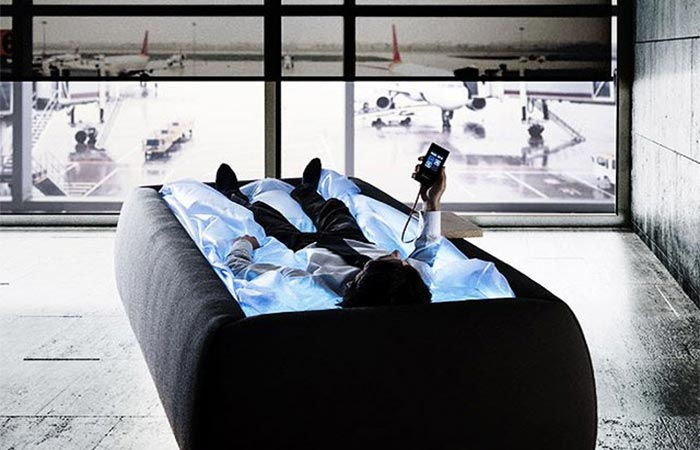 A Guy In Zerobody Anti-Gravity Bed