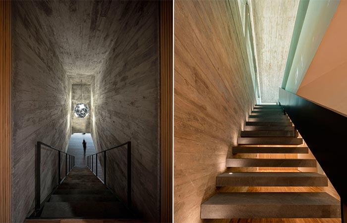 Casa Na Mata Stairs