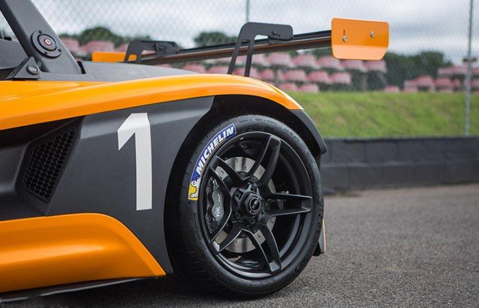 View of Vuhl 05RR rear wheel
