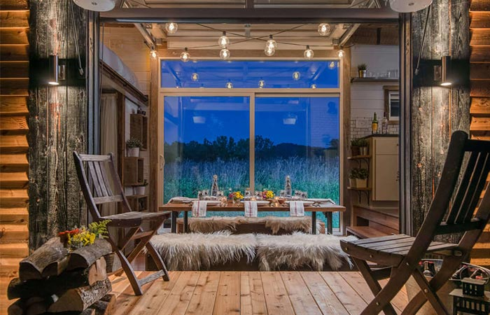 Alpha Tiny House With The Porch Opened