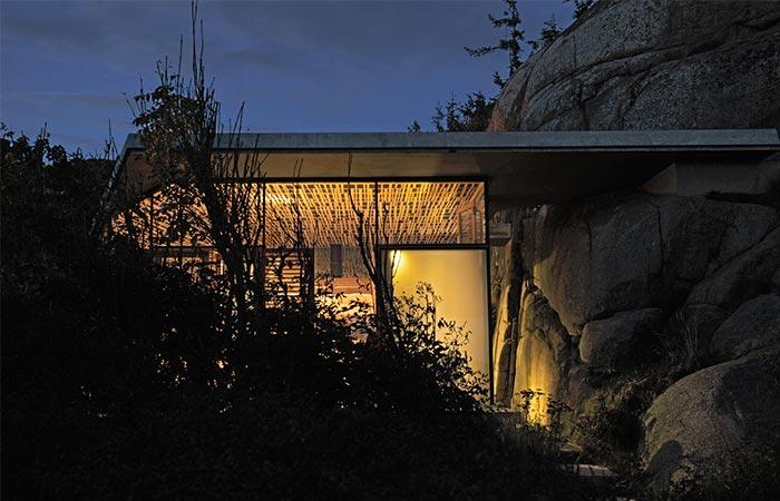 Cabin Knapphullet By Night