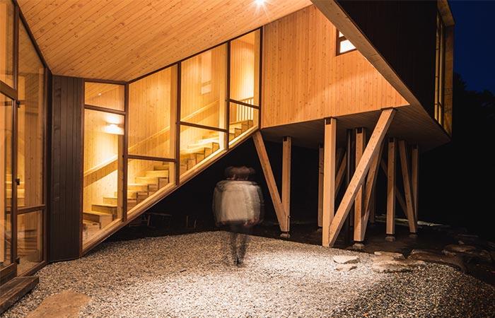 Apus Kankay House Staircase