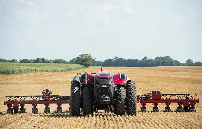 The Case IH Magnum pulling a plow