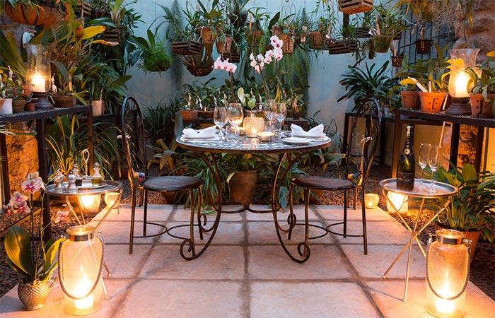 The Safari Collection Giraffe Mansion Dining Room