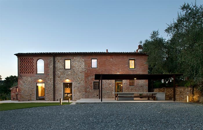 Tuscan Farmhouse From The Outside