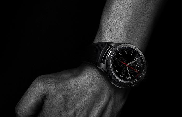 Samsung Gear S3 Frontier on man's wrist