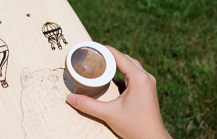 Febo Solar Brush being used to engrave a drawing