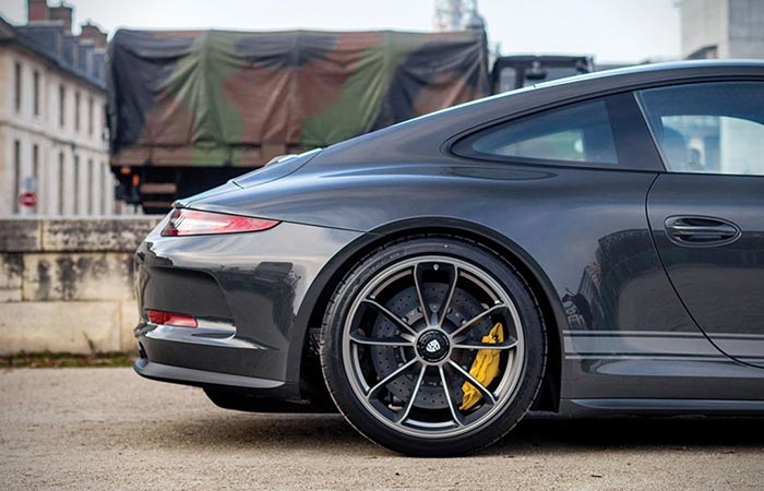 Close up of rear wheels on 2016 Porsche 911 R Steve McQueen tribute