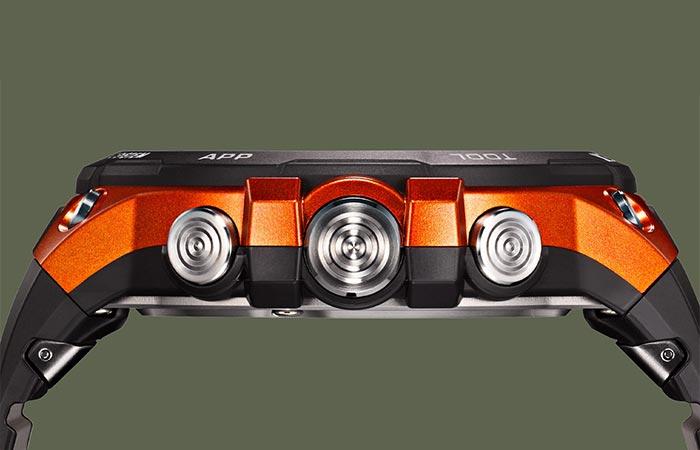 Casio Pro Trek WSD-F20 in orange