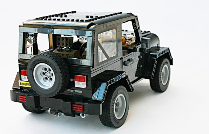 LEGO Jeep Wrangler Rubicon rear view with roof on