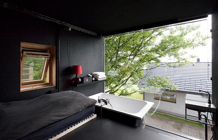 the bedrooma and bathroom area